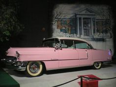 Elvis' pink cadillac, one of my favorite things!