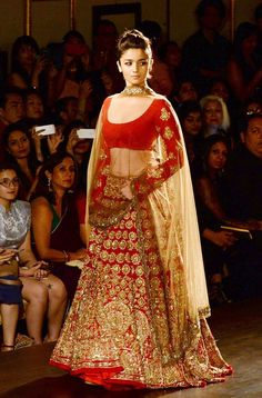 Enjoy this Navratri Garba festival with Alia Bhatt and Heustyle vast designer lehenga choli collection.