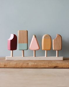 to sell products ideas Wooden ice cream bars Handmade Wooden Toys, Wooden Diy, Wooden Baby Toys, Toy Kitchen, Wooden Kitchen, Pretend Kitchen, Resurface Countertops, Ice Cream Set, Natural Toys