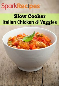Slow Cooker Marinara Chicken and Vegetables Recipe. Change up your tried-and-true slow cooker recipe for this delicious Italian version. Healthy Slow Cooker, Crock Pot Slow Cooker, Crock Pot Cooking, Slow Cooker Chicken, Slow Cooker Recipes, Crockpot Recipes, Cooking Recipes, Healthy Recipes, Dog Recipes