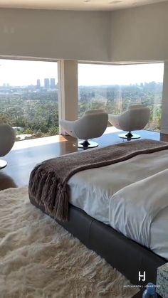 Master Bedroom Interior, Modern Master Bedroom, Apartment Bedroom Decor, Dream Home Design, Home Design Plans, Narrow House Designs, Luxury Homes Dream Houses, Luxurious Bedrooms, Home Fashion