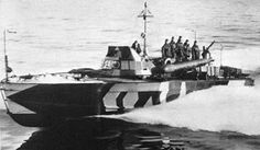 """The """"Motoscafo armato silurante"""" - torpedo armed motorboat - commonly abbreviated as MAS, was a class of fast torpedo armed vessel used by the Regia Marina (the Royal Navy of Italy) during World War I and World War II. Midget Submarine, E Boat, Dazzle Camouflage, Steam Boats, Italian Army, Italian Empire, Heavy Cruiser, Motor Boats, Aircraft Carrier"""
