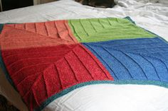 Four Corners Baby Blanket. Free knitting pattern for a modular mitred baby blanket that can be made from odd balls of yarn if desired. Easy Knit Baby Blanket, Baby Afghan Crochet, Blanket Yarn, Knitted Baby Blankets, Knitting Patterns Free Dog, Free Knitting, Free Pattern, Square Blanket, Knits