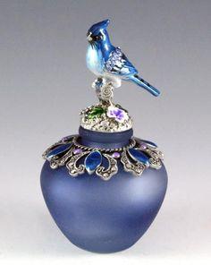 NEW BLUE JAY BIRD FLORAL CRYSTALS DECORATIVE MOFITS DESIGN PERFUME BOTTLE