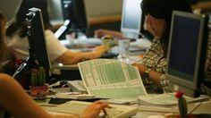 Αυτές είναι οι αλλαγές στις φορολογικές δηλώσεις 2017   Τη δυνατότητα να υποβάλουν τις φορολογικές δηλώσεις για τα εισοδήματα του 2016 έχουν από χθες 62 εκατ. φορολογούμενοι. Η ηλεκτρονική εφαρμογή για την υποβολή του εντύπου Ε1 -και των... from ΡΟΗ ΕΙΔΗΣΕΩΝ enikos.gr http://ift.tt/2njyTV1 ΡΟΗ ΕΙΔΗΣΕΩΝ enikos.gr