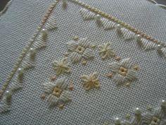 Flowers in the Garden - Lee Albrecht: Free Hardanger pattern