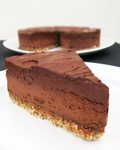 Vegan Cooking for Carnivores: Roberto Martin vegan chocolate cake – The most beautiful recipes Super Healthy Recipes, Raw Food Recipes, Sweet Recipes, Baking Recipes, Snack Recipes, Dessert Recipes, Baking Desserts, Raw Cake, Vegan Cake