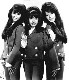 theswinginsixties: The Ronettes