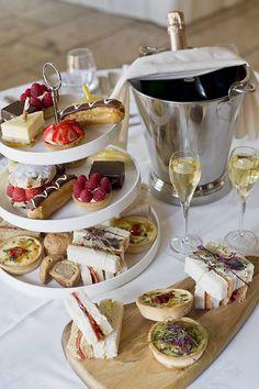 Afternoon tea – bjudningen som är lika vacker som god - Sköna hem