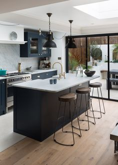 Shaker Kitchens, The Shaker Kitchen Company, Shaker Style Kitchens Blue Shaker Kitchen, Shaker Kitchen Company, Shaker Style Kitchens, Home Decor Kitchen, Kitchen Interior, Kitchen Dining, Kitchen Island, House Extension Design, House Extensions