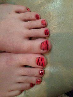Animal Print Toe Nails