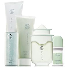 Like poetry for your senses, restore your serenity with the pure freshness of delicate jasmine, lilies and sparkling citrus. A $45 value, the set includes: Eau de Parfum Spray – 1.7 fl. oz. a $23 value. Shimmering Body Powder – 1.4 oz. net wt. A $5.50 value. Body Lotion – 6.7 fl. oz. An $8 value. Shower Gel – 6.7 fl. oz. An $8.50 value. Roll-On Anti-Perspirant Deodorant – 2.6 fl. oz. A $1.99 value.