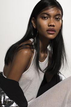"indonesianmodels: ""Laras Sekar Arum by Lea Gendrot "" Aesthetic People, Aesthetic Girl, Pretty People, Beautiful People, Indonesian Women, Dark Skin Girls, Asian Short Hair, Cute Young Girl, People Of The World"