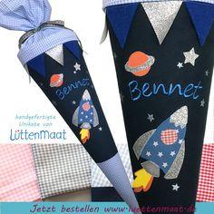 Coole Schultuete Rakete, Weltraum, Weltall Diese coole Schultüte ist der Hammer. Das Weltall wirkt unendlich und Sterne blitzen rund um das raumschiff. Das Raumschiff nähert sich langsam dem...