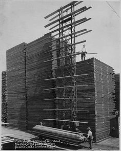 """If you've seen those pictures of huge stacks of lumber and wondered """"how'd they do that""""? Well, here you go. Cedar Lumber, Lumber Mill, Hardwood Lumber, Old Pictures, Old Photos, Vintage Photos, Carpentry And Joinery, Wood Tree, Wood Tools"""