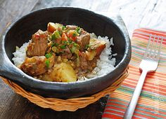 Carne Guisada (Latin Beef Stew) - Chunks of beef are simmered in beer with scallions, garlic, tomatoes, cumin and cilantro. Serve this over rice with a little aji picante and you'll have a delicious comfort dish, Latin style! Mexican Food Recipes, Beef Recipes, Cooking Recipes, Healthy Recipes, Cooking Dishes, Easy Recipes, La Trattoria, Comida Boricua, Gourmet