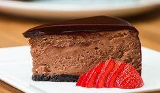 Chocolate Mousse Cheesecake - Use GF cookies for crust No Bake Desserts, Just Desserts, Delicious Desserts, Dessert Recipes, Dairy Free Chocolate Cake, Chocolate Banana Bread, Decadent Chocolate, Chocolate Mousse Cheesecake, Mousse Cake