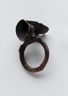 Catalina Brenes ring - Materials:  silver 925. Measurements: diameter 1,8 cm. (Italy size = 17)                        Hand made wax casted.