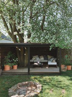 Opgraderet udemiljø til den kommende sæson :-) - Mor til Mer Outdoor Life, Outdoor Rooms, Outdoor Living, Outdoor Decor, Garden Nook, Garden Studio, Backyard Retreat, Backyard Landscaping, Back Gardens
