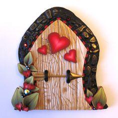 sandylandya@outlook.es Arrow Hearts Fairy Door Pixie Portal by Claybykim on Etsy, $22.00