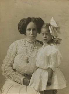 +~+~ Antique Photograph ~+~+  Mother and Daughter in layers of lace.