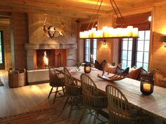 FARMHOUSE – INTERIOR – you can't get much more colonial farmhouse than this, what a great space.