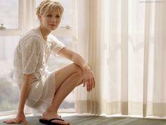 Kirsten Dunst - Fond d'ecran et Wallpaper: http://wallpapic.fr/celebrites/kirsten-dunst/wallpaper-8300