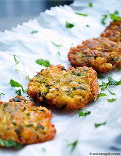 SASI'S KITCHEN: Potato & Corn Fritters
