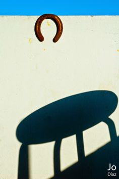 Incidental things: Luz, Herradura y sombra.