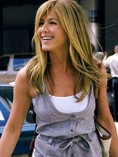 Jennifer Aniston - love this romper she's wearing!