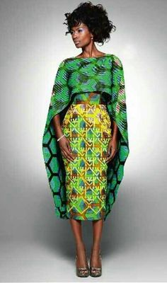 Moda Africana (ROUPAS), one more shawl and the dress will disappear so will the model African Inspired Fashion, African Print Fashion, Fashion Prints, African Prints, Ankara Fashion, African Patterns, African Print Skirt, Fashion Fabric, African Attire