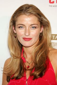 "A wonderful warm autumn blonde Louise Lombard ""Evie"" from House of Eliott Hair color by Kadi Lee British Actresses, Actors & Actresses, Louise Lombard, Les Experts, Warm Autumn, Height And Weight, Celebs, Celebrities, Net Worth"