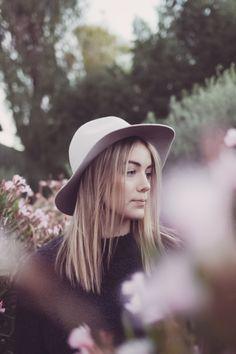 insta: @allisoncarolcreatives #photography #photographer #boho #bohemian #earth #nature #hippie #scottsdale #az #style #fashion #freespirit #model #floral #portrait #flowers #hat