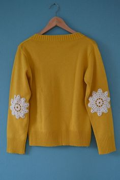Miris Jahrbuch: DIY - Pullover mit Häkeldeckchen