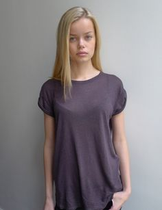 You love doll faced models? Fashion Models, Girl Fashion, Rich Girl, Doll Face, Grey Top, Style Icons, Shirt Dress, T Shirts For Women, Pretty