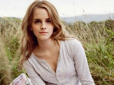 emma-watson-smiling-without-makeup