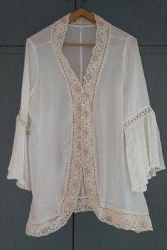 93533046bf Blouse ouverte en dentelle beige neuve - #blousefluide #blouse #beige # dentelle #