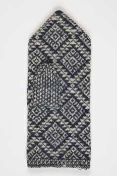 Mittens from Suure-Jaani Knit Mittens, Knitted Gloves, Knitting Socks, Hand Knitting, Stitch Patterns, Knitting Patterns, Textiles, How To Start Knitting, Beautiful Patterns