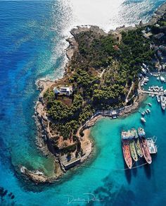 Top Holiday Travel Destinations - The Travel Ideas Greece Wedding, Mexico Travel, Cheap Travel, Greece Travel, Greek Islands, Holiday Travel, Strand, Travel Destinations, Coaching