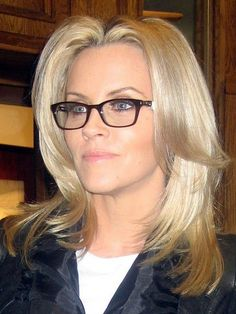 Jenny in Robert Marc - He will be here in April! Stay tuned for more! If I ever need glasses, Jenny McCarthy wears the cutest styles. Jenny Mccarthy, Cute Glasses, Girls With Glasses, Glasses Style, Eyeglasses Frames For Women, Fashion Eye Glasses, Wearing Glasses, Puffy Eyes, Womens Glasses