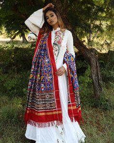 www.marutipatola.com #DOUBLE_IKAT #FIRST_COPY #HANDLOOM #PURE #SILK #PATOLA #SAREE #patanpatola#doubleikkat#DUPPATA# 100% Pure Silk With SILK MARK LABEL. For purchase enquiries, contact us on info@marutipatola.com or call/whatsapp on +91 81400-72400
