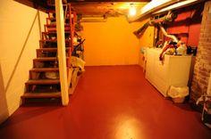 Como pintar pisosconforme os diferentes tipos de pisos   Pisos Novos Porosos - Limpar com água e detergente para remover contaminantes. - Aguardar secagem total. - Aplicar a tinta acrílica para piso. [divider...