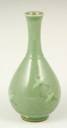 19th C. Korean Celadon Vase, H 7 1/4""