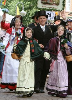 Folk Costumes of Germany. Weser-Ems This costume is from the town of Lingen in Emsland.