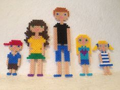 Familieportrett med Hama perler / Family portrait made with Hama beads. Pixel Art Grid, Bead Patterns, Perler Beads, Family Portraits, Beading, Ikea, Projects To Try, 3d, People