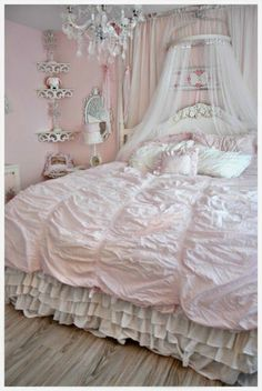 Pink and Shabby Chic Bedroom.