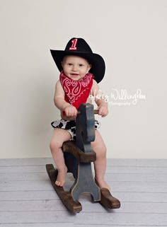 Haley Willingham Photography Martinsburg WV Hagerstown MD Winchester VA, Charles Town WV, Frederick MD, Berkeley County, Jefferson County, Northern Virginia, Western Maryland, Cake Smash First Birthday Photographer, Photography Studio, Baby Boy, Cowboy