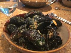 Mussels (pedoći) with white wine, Istrian style