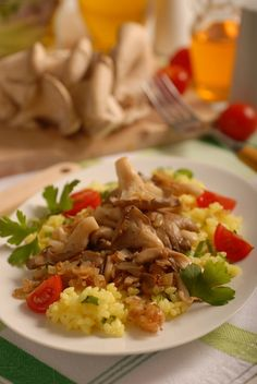 Opečená hliva s cibuľou Grains, Stuffed Mushrooms, Food And Drink, Rice, Cooking Recipes, Sweets, Beef, Baking, Fruit