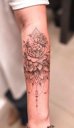 61 Ideas For Mandala Tattoo Back Of Arm Lotus Flowers Henna Tattoo Designs Arm, Henna Tattoo Hand, Mandala Tattoo Design, Lace Tattoo, Tattoo Ink, Mommy Tattoos, Girly Tattoos, Sexy Tattoos, Body Art Tattoos